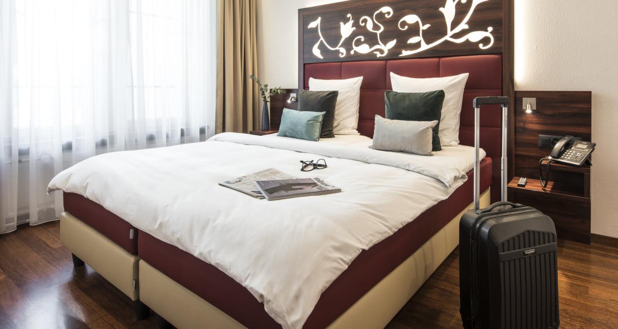 Wunderschönes Doppelzimmer bei Hotel Scheuble bei dem man günstige Zimmer buchen kann
